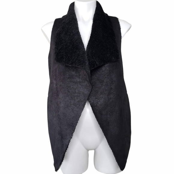 UO | Ecote Black Faux Leather Shearling Vest S